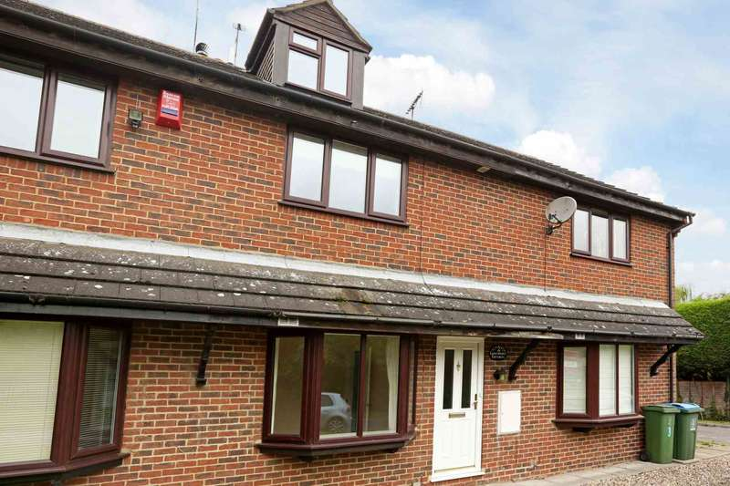3 Bedrooms Town House for sale in Cooks Wharf, Cheddington