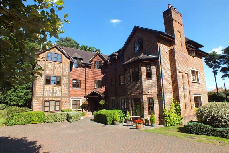 3 Bedrooms Flat for sale in Orchard Fields, Fleet, Hampshire, GU51