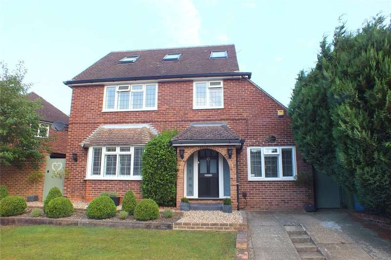 4 Bedrooms Detached House for sale in Old Rectory Gardens, Farnborough, Hampshire, GU14
