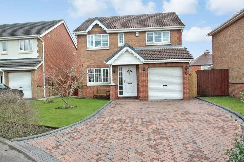4 Bedrooms Detached House for sale in Paddock View, Castleford