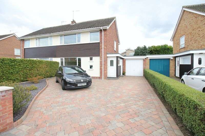 3 Bedrooms Semi Detached House for sale in Allington Drive, York