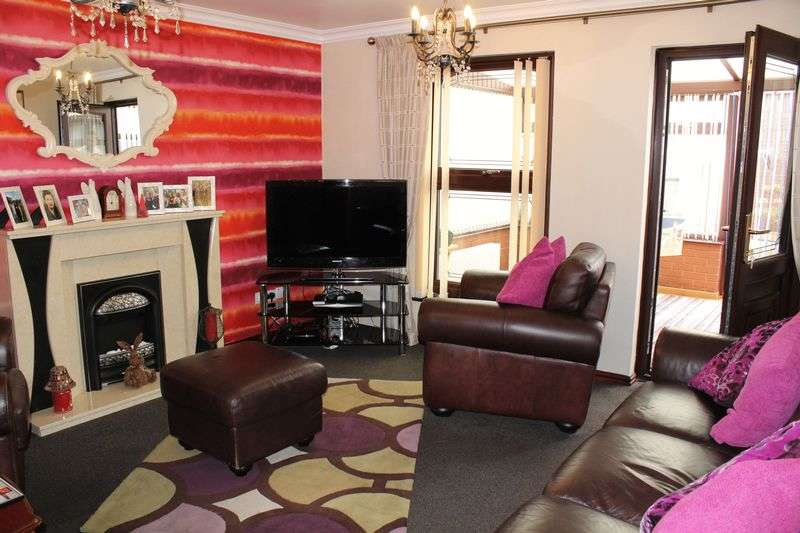3 Bedrooms Terraced House for sale in Owen Street, Tipton