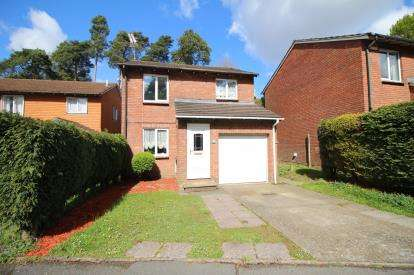 3 Bedrooms Detached House for sale in Creekmoor, Poole, Dorset