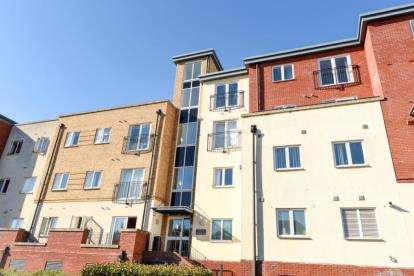 2 Bedrooms Flat for sale in Paveley Court, 30 Langstone Way, London