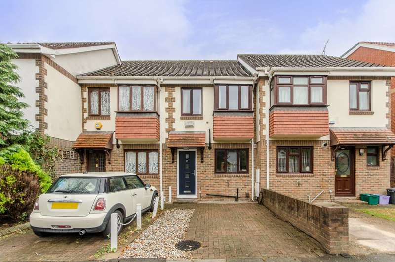 3 Bedrooms House for sale in Rural Way, Streatham, SW16