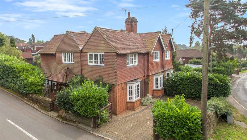 4 Bedrooms Semi Detached House for sale in Red Cottages, Woodhurst Lane, RH8