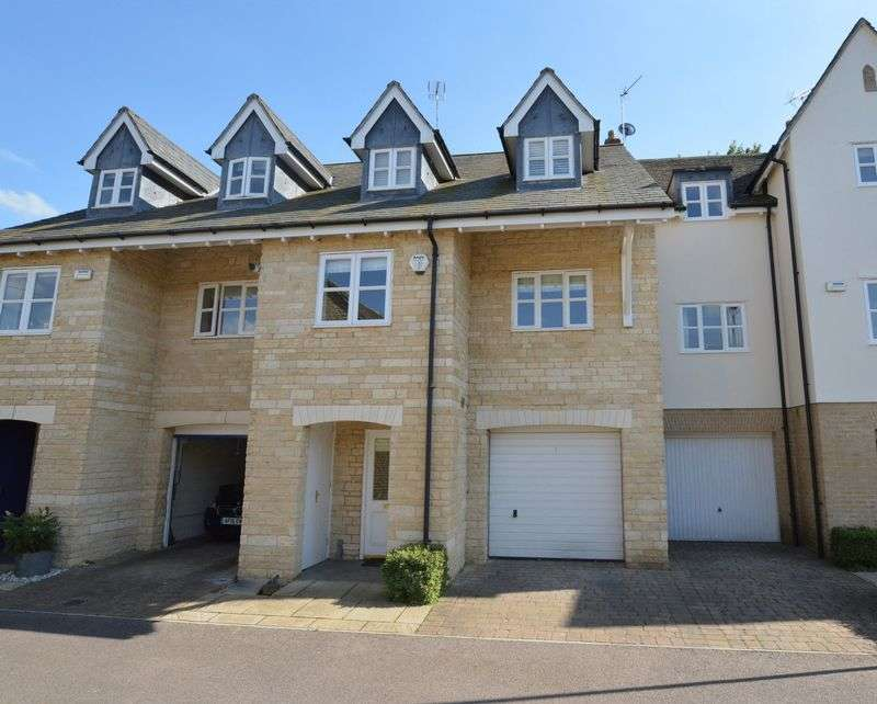 3 Bedrooms Semi Detached House for sale in Barons Way, Stamford