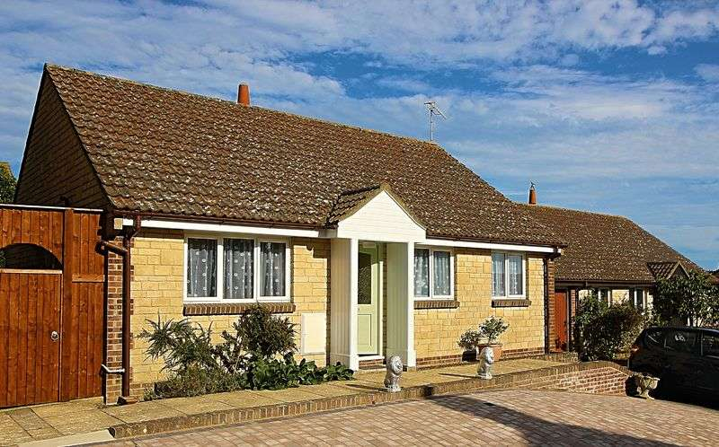 2 Bedrooms Detached Bungalow for sale in Frys Close, Weymouth