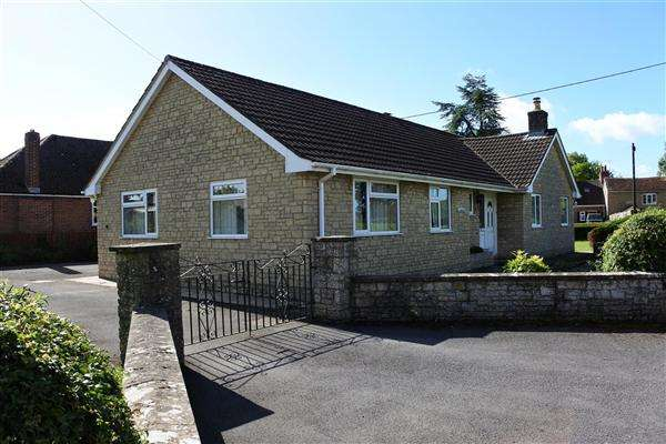 3 Bedrooms Bungalow for sale in Sobranda, Kings Court Road, Gillingham