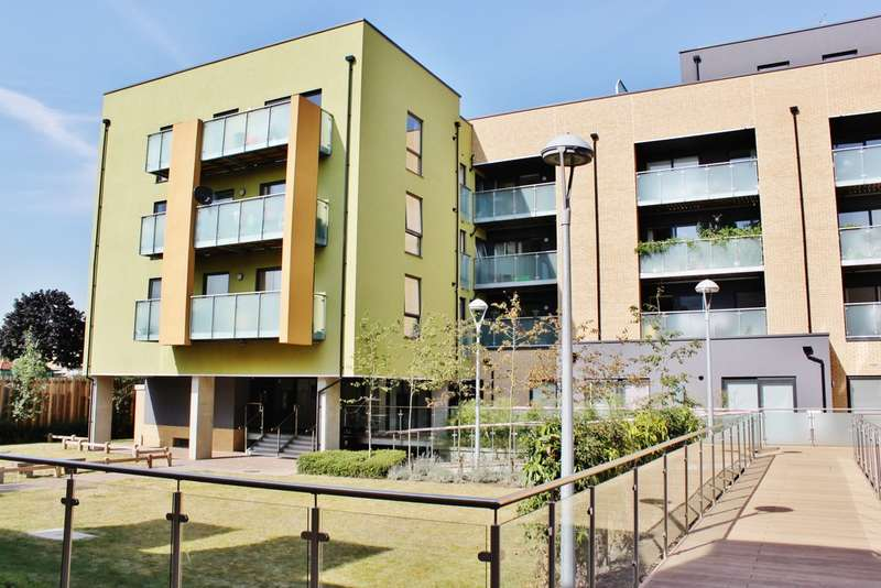 2 Bedrooms Flat for sale in Chigwell Road, London