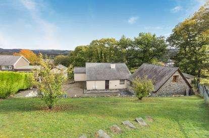 4 Bedrooms Detached House for sale in Craig Y Fron, Bala, Gwynedd, LL23