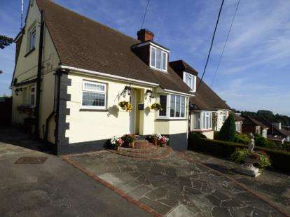 3 Bedrooms Bungalow for sale in Benfleet, Essex
