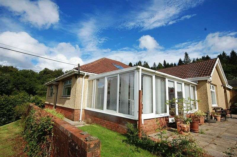 3 Bedrooms Detached Bungalow for sale in The Rise, Glyncastle, Resolven, Neath, SA11 4NW