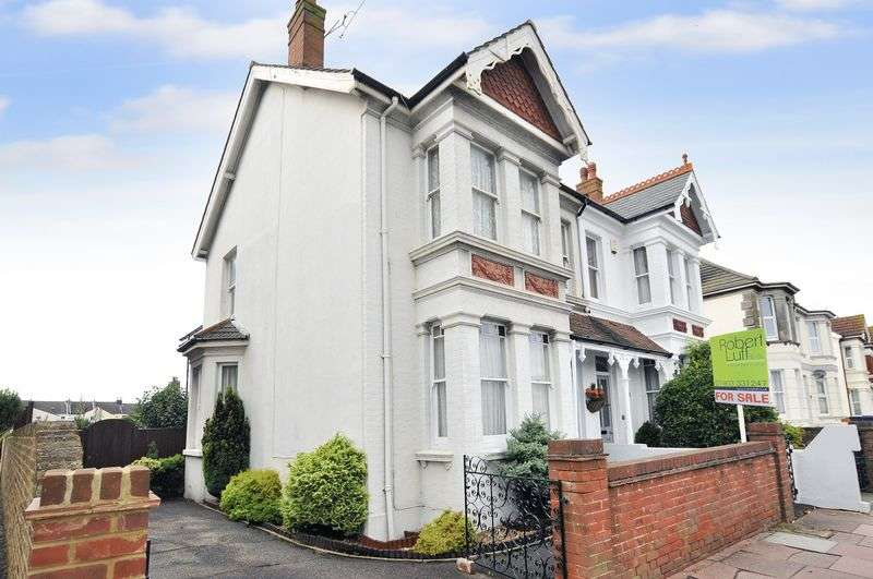 3 Bedrooms Semi Detached House for sale in Broadwater Road, Worthing