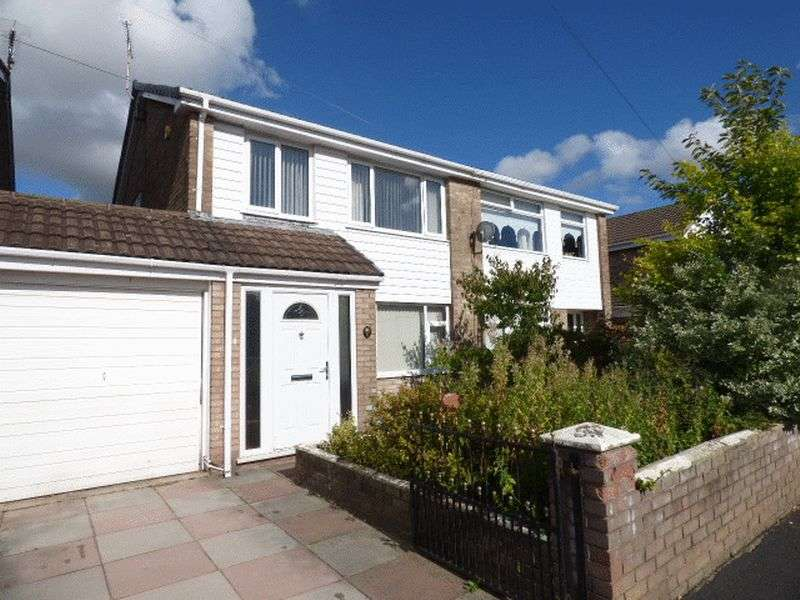 3 Bedrooms Semi Detached House for sale in Whitebeam Close, Kirkby