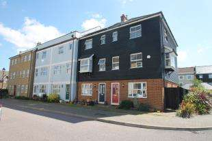 4 Bedrooms Terraced House for sale in St. Lawrence Mews, Eastbourne, East Sussex