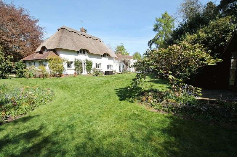 4 Bedrooms Detached House for sale in Monkmead Lane, West Chiltington