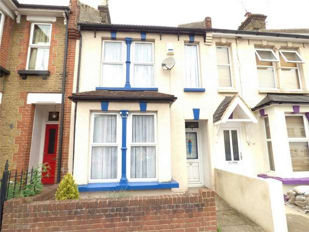 3 Bedrooms Terraced House for sale in College Avenue, Gillingham, Kent