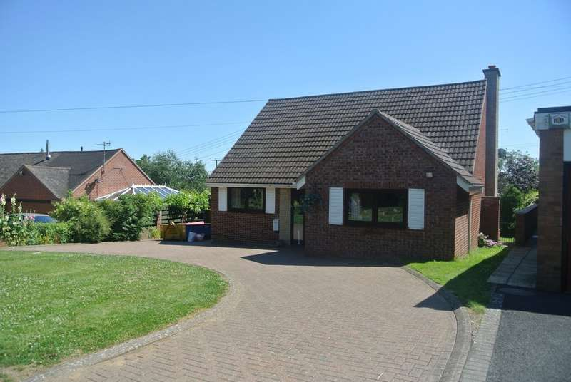 3 Bedrooms Detached House for sale in Low Road, Church Lench
