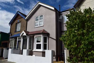 2 Bedrooms Flat for sale in Palmerstone Road, Wealdstone