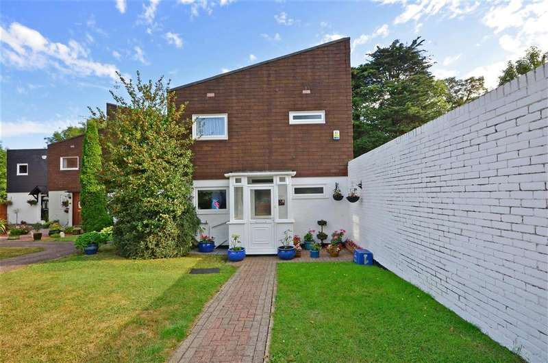 3 Bedrooms End Of Terrace House for sale in Shillibeer Walk, Chigwell, Essex