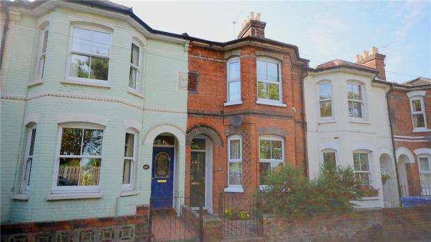 3 Bedrooms Terraced House for sale in Grosvenor Road, Aldershot, Hampshire