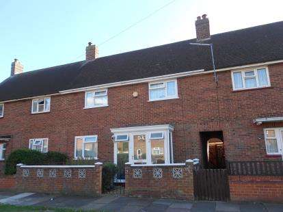 3 Bedrooms Terraced House for sale in Mareth Road, Bedford, Bedfordshire