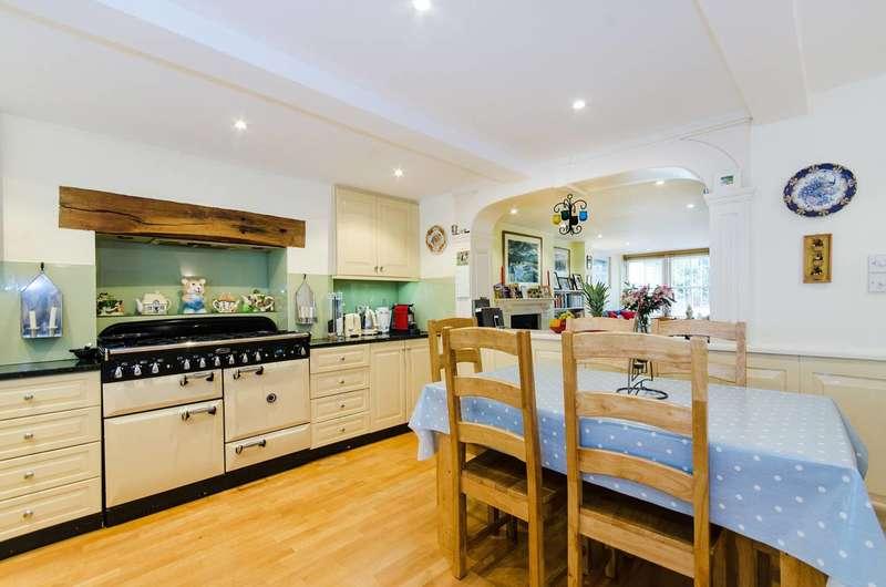 4 Bedrooms House for sale in Addison Bridge Place, Kensington, W14