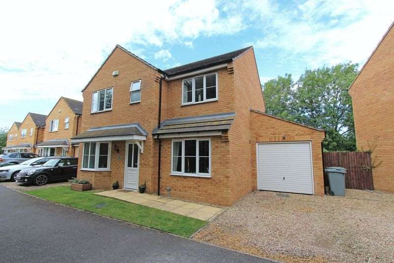4 Bedrooms Detached House for sale in Darnes Close, Bourne