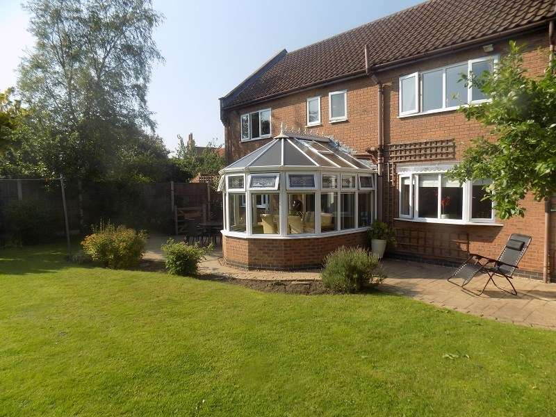 4 Bedrooms Detached House for sale in Clyro Place, Sutton Cum Lound