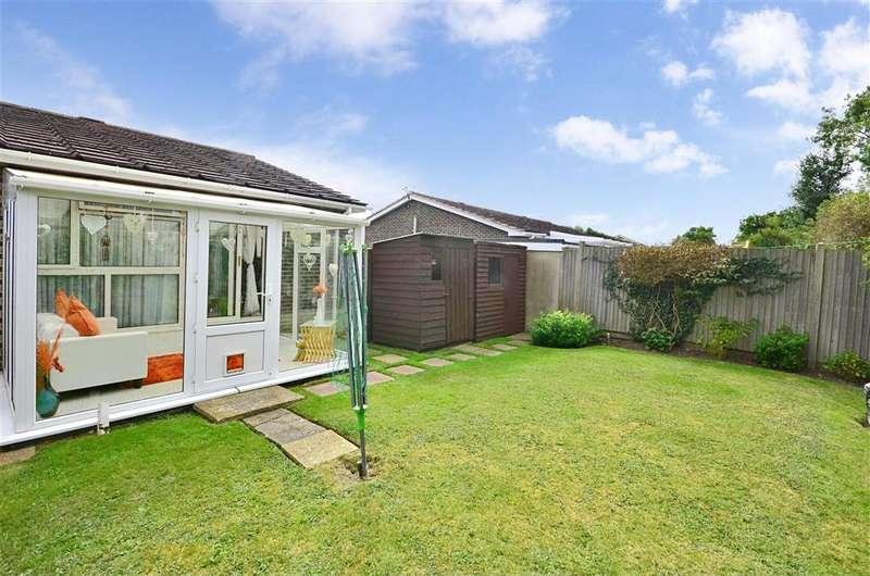 2 Bedrooms Semi Detached Bungalow for sale in Grebe Crescent, Hythe, Kent