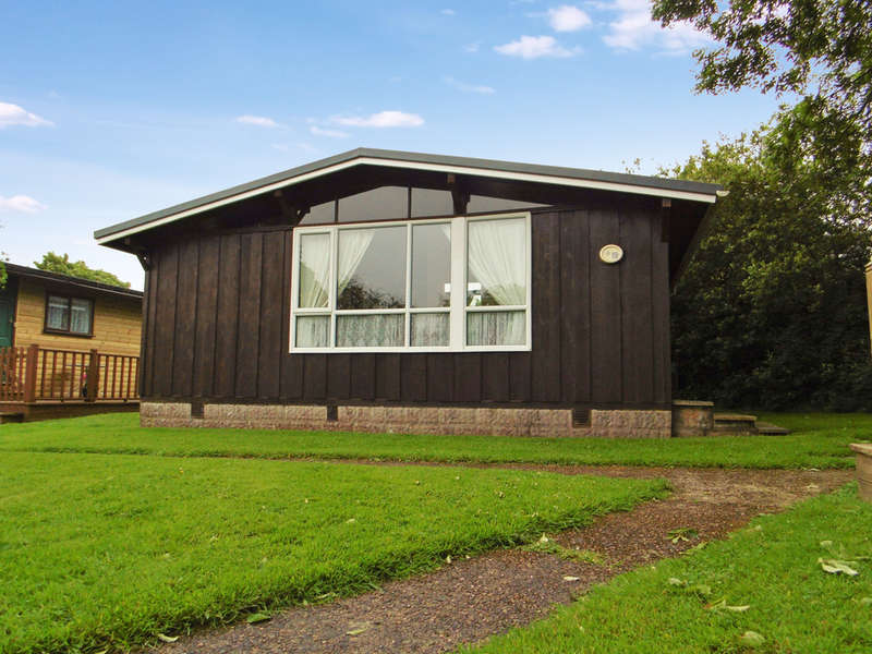 2 Bedrooms Detached Bungalow for sale in Harepath Hill, Seaton
