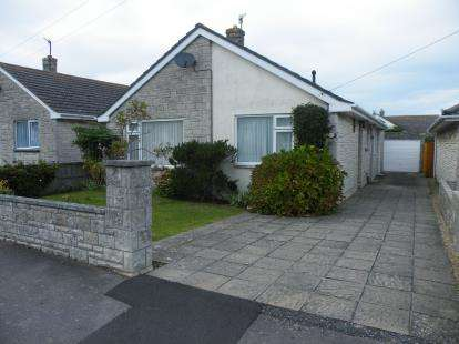 3 Bedrooms Bungalow for sale in Chickerell, Weymouth, Dorset