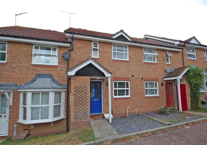 2 Bedrooms Terraced House for sale in Jersey Way, Braintree, CM7