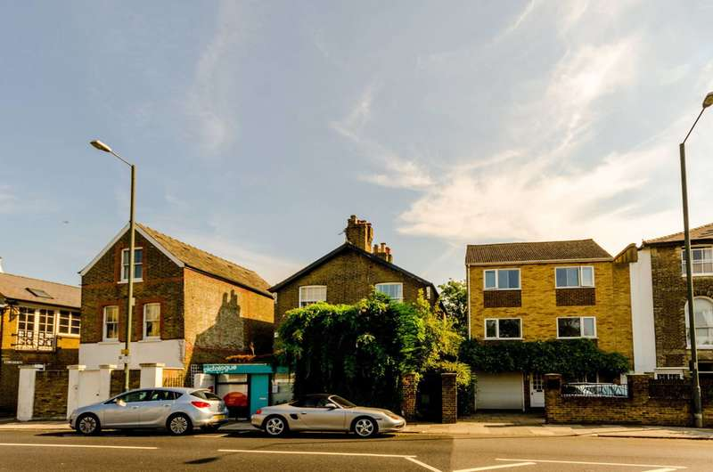 3 Bedrooms Semi Detached House for sale in Lower Richmond Road, Mortlake, SW14