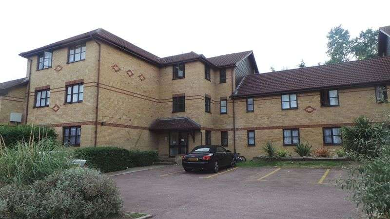1 Bedroom Flat for sale in Hickory Close, Edmonton, N9