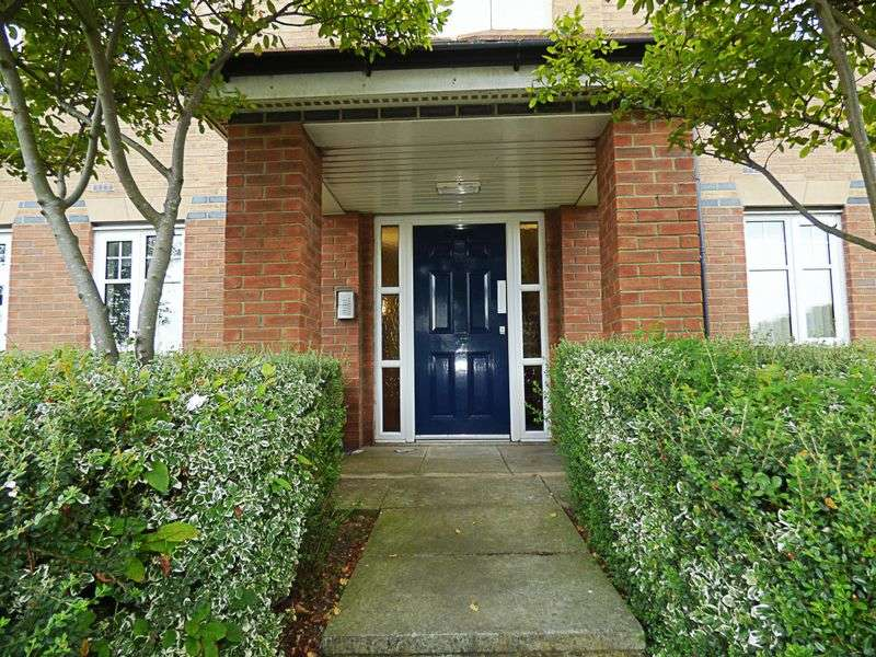 2 Bedrooms Flat for sale in Nairn Close, Sunderland