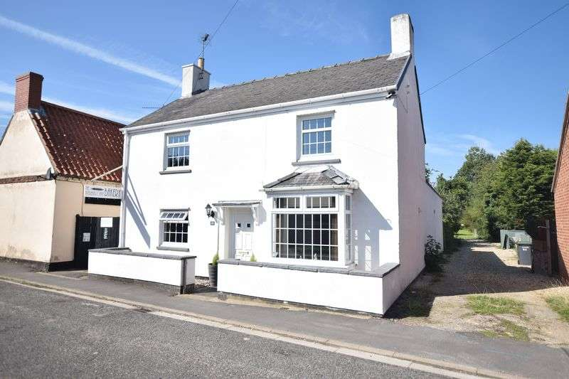 3 Bedrooms Detached House for sale in High Street, North Scarle, Lincoln