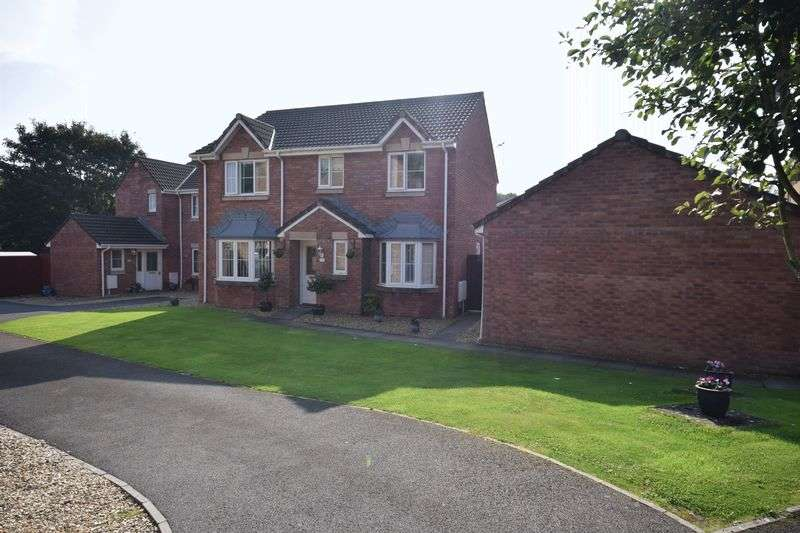 4 Bedrooms Detached House for sale in 17 Rhodfa Ceirios, Pen-Y-Fai, Bridgend CF31 4GG