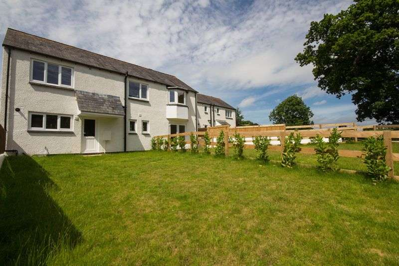 3 Bedrooms Terraced House for sale in 14 Highcroft Park, Chudleigh, Newton Abbot