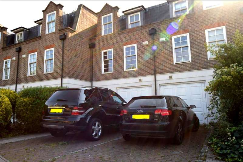 3 Bedrooms Town House for sale in Abbey Mews, Isleworth, Middlesex, TW7 5BJ