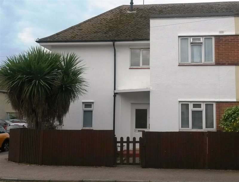 3 Bedrooms Semi Detached House for sale in Bathurst Close, Ramsgate