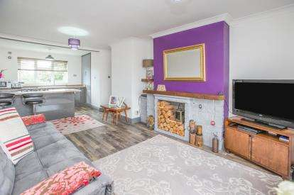 2 Bedrooms Flat for sale in Prospect House, Bishophill Junior, York, North Yorkshire