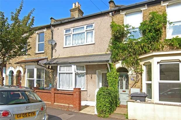 3 Bedrooms Terraced House for sale in Downsfield Road, Walthamstow, London