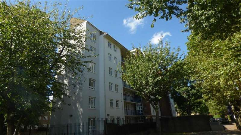 1 Bedroom Property for sale in Howland Estate, London