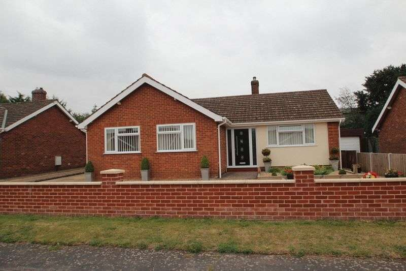 3 Bedrooms Detached Bungalow for sale in Coronation Road, Hellesdon, Norwich