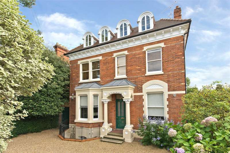 5 Bedrooms Detached House for sale in West Hill Road, London, SW18