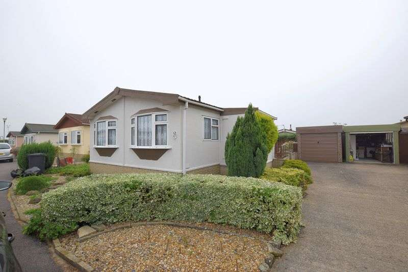 2 Bedrooms Detached Bungalow for sale in Prebend Lane, Welton, Lincoln