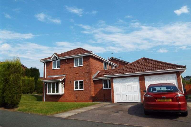 4 Bedrooms Detached House for sale in Wrenburry Close, Waterhayes, Newcastle under Lyme