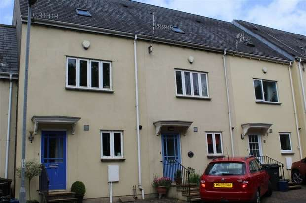4 Bedrooms Terraced House for sale in Plymouth Road, Buckfastleigh, Devon